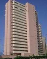 Apartamento En Ventaen Catia La Mar, Playa Grande, Venezuela, VE RAH: 20-18150