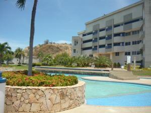 Apartamento En Ventaen Lecheria, Cerro El Morro, Venezuela, VE RAH: 20-18154