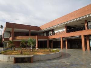 Local Comercial En Ventaen El Tigre, Centro, Venezuela, VE RAH: 20-18213