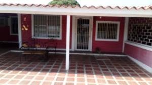 Casa En Ventaen Ciudad Ojeda, Avenida Vargas, Venezuela, VE RAH: 20-18263