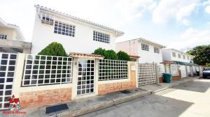 Casa En Ventaen Maracay, Villas Del Sol I, Venezuela, VE RAH: 20-18295