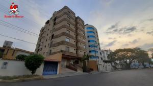 Apartamento En Ventaen Maracay, El Bosque, Venezuela, VE RAH: 20-18344