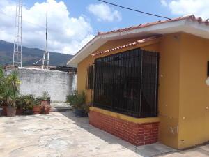 Casa En Ventaen Municipio Naguanagua, La Campina Ii, Venezuela, VE RAH: 20-18350