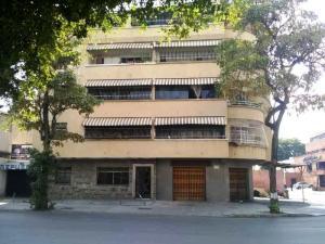 Apartamento En Ventaen Caracas, Los Chaguaramos, Venezuela, VE RAH: 20-18369