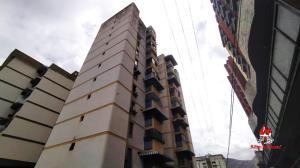Apartamento En Ventaen Maracay, Los Caobos, Venezuela, VE RAH: 20-18388