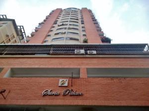 Apartamento En Ventaen Maracay, Zona Centro, Venezuela, VE RAH: 20-18428