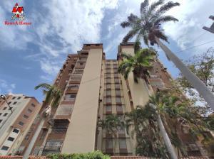 Apartamento En Ventaen Maracay, El Bosque, Venezuela, VE RAH: 20-18465
