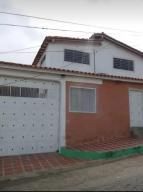Casa En Ventaen Barquisimeto, Parroquia Santa Rosa, Venezuela, VE RAH: 20-18492