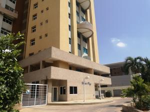 Apartamento En Ventaen Maracaibo, Avenida Bella Vista, Venezuela, VE RAH: 20-18518