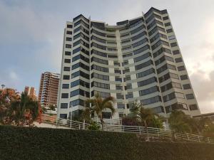 Apartamento En Ventaen Parroquia Caraballeda, La Llanada, Venezuela, VE RAH: 20-18529