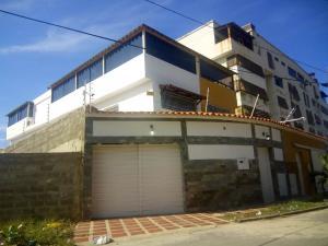 Casa En Ventaen Parroquia Caraballeda, Los Corales, Venezuela, VE RAH: 20-18547