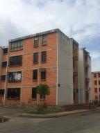 Apartamento En Alquileren Municipio Naguanagua, Casco Central, Venezuela, VE RAH: 20-18550