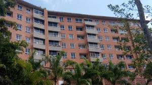 Apartamento En Ventaen Caracas, Lomas Del Sol, Venezuela, VE RAH: 20-18758