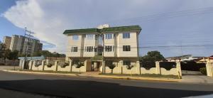 Apartamento En Ventaen Ciudad Ojeda, Calle Piar, Venezuela, VE RAH: 20-18629