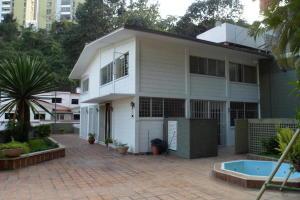 Casa En Ventaen Caracas, Colinas De Bello Monte, Venezuela, VE RAH: 20-18653