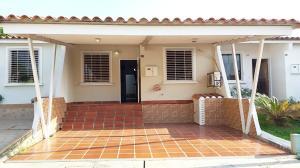 Casa En Ventaen Cabudare, Parroquia José Gregorio, Venezuela, VE RAH: 20-7499