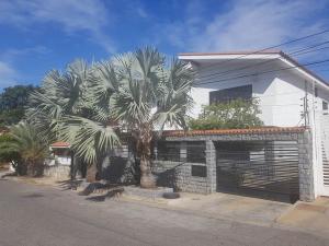 Casa En Ventaen Catia La Mar, La Colina De Catia La Mar, Venezuela, VE RAH: 20-18659