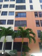 Apartamento En Ventaen Maracay, Bosque Alto, Venezuela, VE RAH: 20-18667