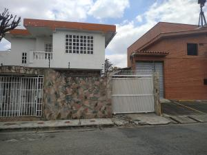 Casa En Ventaen Valencia, Los Naranjos, Venezuela, VE RAH: 20-18874