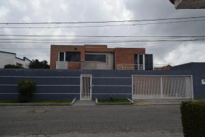 Casa En Ventaen San Antonio De Los Altos, Club De Campo, Venezuela, VE RAH: 20-18741
