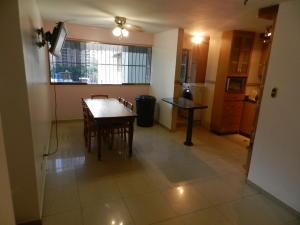 Apartamento En Ventaen Caracas, San Martin, Venezuela, VE RAH: 20-18906