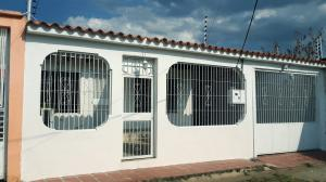 Casa En Ventaen Turmero, Parque Residencial Araguaney Ii, Venezuela, VE RAH: 20-19048