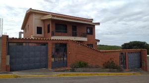 Casa En Ventaen Barquisimeto, Parroquia Santa Rosa, Venezuela, VE RAH: 20-19738