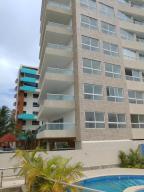 Apartamento En Ventaen Higuerote, Puerto Encantado, Venezuela, VE RAH: 20-19207