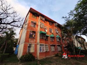 Apartamento En Ventaen Maracay, Madre Maria, Venezuela, VE RAH: 20-19273