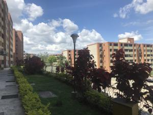 Apartamento En Ventaen Caracas, Los Naranjos Humboldt, Venezuela, VE RAH: 20-19281