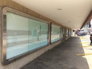 Local Comercial En Ventaen Maracaibo, Avenida Bella Vista, Venezuela, VE RAH: 20-19461