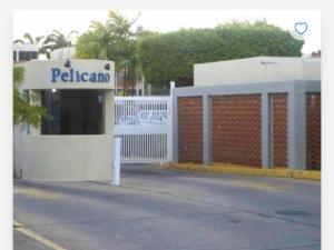 Apartamento En Ventaen Lecheria, Complejo Turistico El Morro, Venezuela, VE RAH: 20-19465