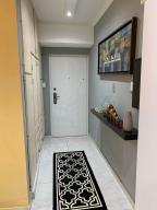 Apartamento En Ventaen Catia La Mar, Playa Grande, Venezuela, VE RAH: 20-20227