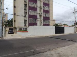 Apartamento En Ventaen Maracaibo, Avenida Bella Vista, Venezuela, VE RAH: 20-19549