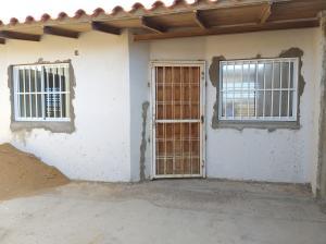 Casa En Ventaen Punto Fijo, Puerta Maraven, Venezuela, VE RAH: 20-7868