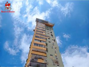 Apartamento En Ventaen Maracay, Zona Centro, Venezuela, VE RAH: 20-19779