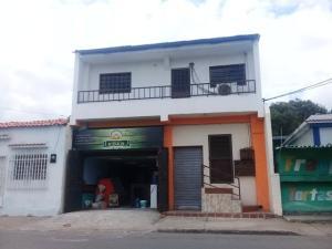 Local Comercial En Alquileren Maracay, Santa Rosa, Venezuela, VE RAH: 20-19827
