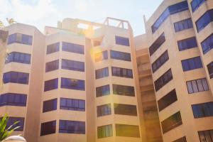 Apartamento En Ventaen Parroquia Naiguata, Camuri Grande, Venezuela, VE RAH: 20-19837