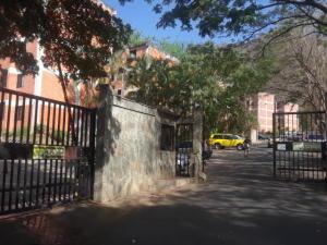 Apartamento En Ventaen Valencia, Las Chimeneas, Venezuela, VE RAH: 20-19976