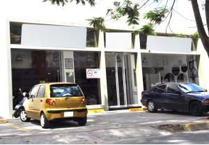 Local Comercial En Ventaen Caracas, Las Mercedes, Venezuela, VE RAH: 20-19092