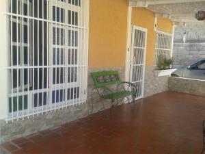 Casa En Ventaen Maracay, El Limon, Venezuela, VE RAH: 20-19925