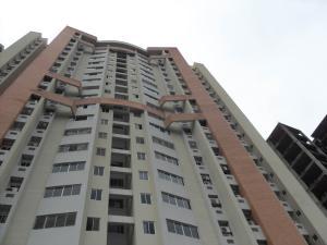 Apartamento En Ventaen Valencia, Las Chimeneas, Venezuela, VE RAH: 20-20137