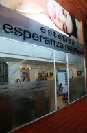 Local Comercial En Ventaen Caracas, Las Mercedes, Venezuela, VE RAH: 20-20014