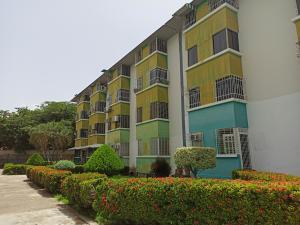 Apartamento En Ventaen Turmero, Zona Centro, Venezuela, VE RAH: 20-20100
