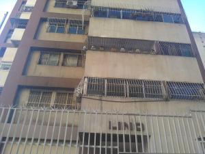 Apartamento En Ventaen Caracas, Parroquia Altagracia, Venezuela, VE RAH: 20-20194