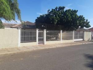 Casa En Ventaen Punto Fijo, Campo Maraven, Venezuela, VE RAH: 20-20260
