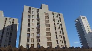 Apartamento En Ventaen Maracaibo, Pueblo Nuevo, Venezuela, VE RAH: 20-20664