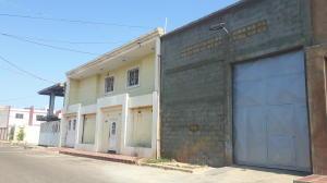 Galpon - Deposito En Ventaen Maracaibo, Circunvalacion Dos, Venezuela, VE RAH: 20-20296