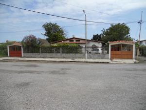 Terreno En Ventaen Higuerote, Ciudad Balneario Higuerote, Venezuela, VE RAH: 20-20351