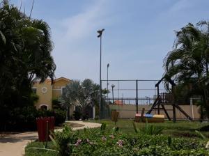 Townhouse En Ventaen Maracaibo, Avenida Milagro Norte, Venezuela, VE RAH: 20-20372